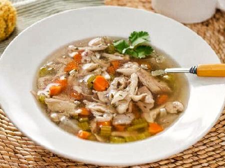 Обикновена бяла / бистра пилешка супа с ориз - снимка на рецептата